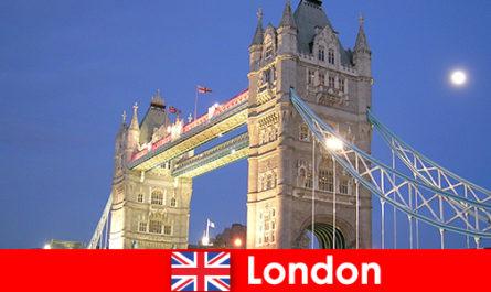 Lawatan bandar England ke seluruh dunia