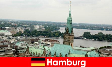 Perjalanan dan hiburan ke Reeperbahn di bandar Hamburg