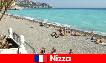 Nice pantai yang indah di Riviera Perancis