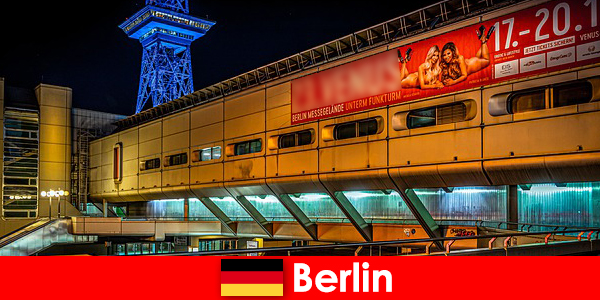 Alamilah kehidupan malam Berlin dengan sedutan pelacuran dan model pengiring Mulia