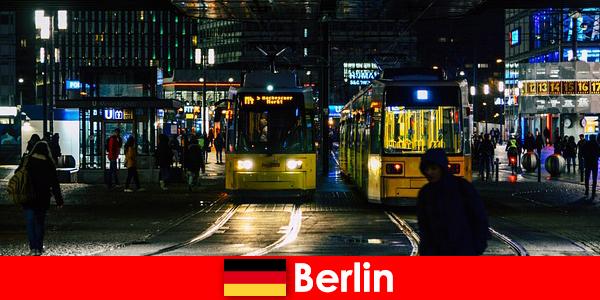 Pelacuran di Berlin dengan pengiring panas Whores dari kehidupan malam