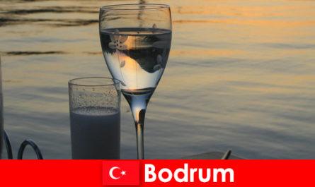Di Turki Bodrum ditemui kelab dan bar untuk pelancong muda