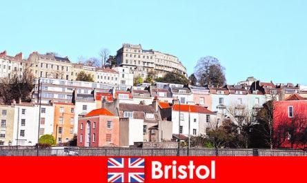 Bristol City dengan budaya belia dan suasana mesra untuk mereka yang tidak diketahui