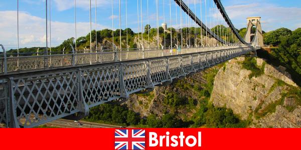 Aktiviti luaran di Bristol dengan lawatan atau Lawatan