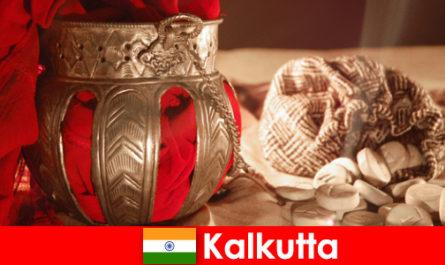Tugu Peringatan dan Kuil meyakinkan pengunjung baru dengan keindahan Kolkata