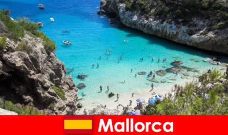 Sebagai pesara yang tinggal di Pulau Mallorca sebagai seorang kedatangan