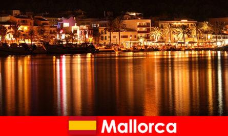 Hiburan malam di Mallorca dengan wanita cantik dari adegan erotik