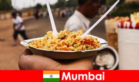 Mumbai adalah tempat yang diketahui oleh pelancong untuk penjual jalan dan jenis makanan