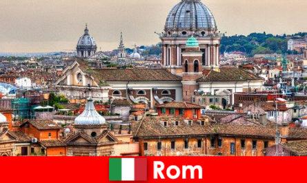 Rom Cosmopolitan City dengan banyak Gereja dan gereja satu titik hubungan untuk orang asing