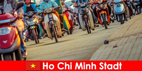 Bandar Ho Chi Minh untuk penunggang basikal dan peminat sukan sentiasa keseronokan