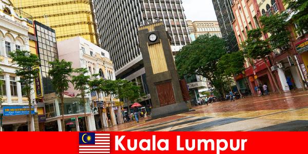 Pusat kebudayaan dan ekonomi Kuala Lumpur kawasan metropolitan terbesar Malaysia
