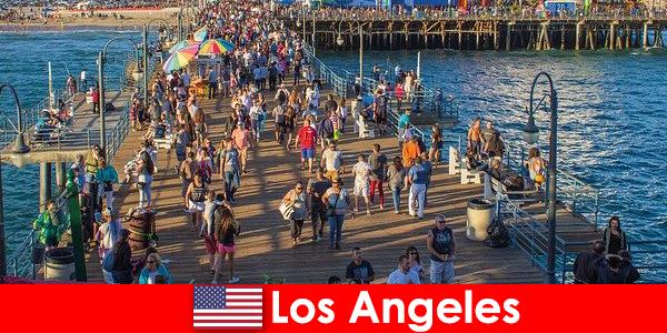 Panduan pelancongan profesional untuk lawatan bot dan tunggangan di Los Angeles