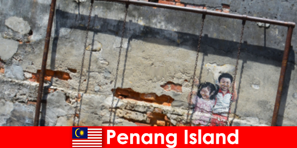 Seni jalanan yang menarik dan pelbagai di Pulau Pinang mengagumkan orang yang tidak dikenali