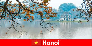 Kuil Gunung Hanoi Vietnam Jade dan Kuil Sastera menggembirakan pelancong