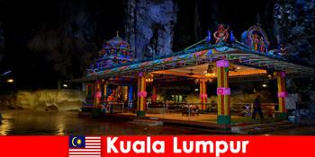 Kuala Lumpur Malaysia benarkan pelancong mendapat pandangan mendalam ke dalam gua batu kapur purba