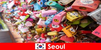 Perjalanan penemuan orang asing ke jalan-jalan bergaya di Seoul di Korea