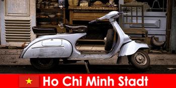Ho Chi Minh City Vietnam tawar percutian moped lawatan melalui jalan-jalan yang meriah