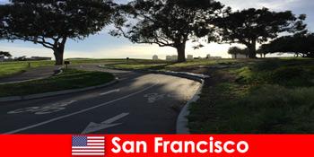 Lawatan penerokaan untuk warga asing dengan basikal di San Francisco Amerika Syarikat