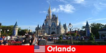 Percutian keluarga dengan kanak-kanak di taman tema Disneyland Orlando Amerika Syarikat