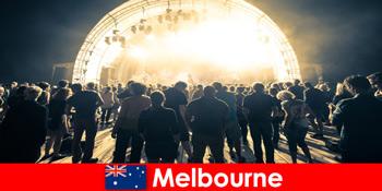 Orang yang tidak dikenali menghadiri konsert terbuka percuma di Melbourne Australia setiap tahun