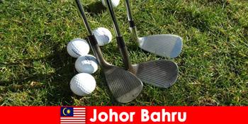 Tip Dalaman - Johor Bahru Malaysia mempunyai banyak padang golf yang hebat untuk pelancong yang aktif