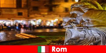 Lawatan bas untuk tetamu mingguan melalui bandar Rom Itali yang indah