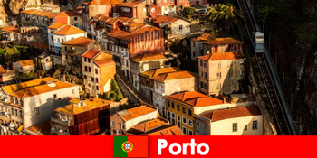 Hujung minggu bersiar-siar melalui bandar lama Porto Portugal
