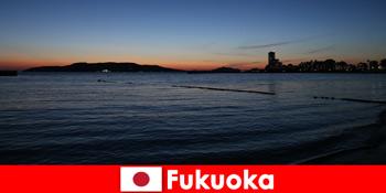 Lawatan serantau dengan kumpulan melalui Fukuoka Alami bandar indah Jepun